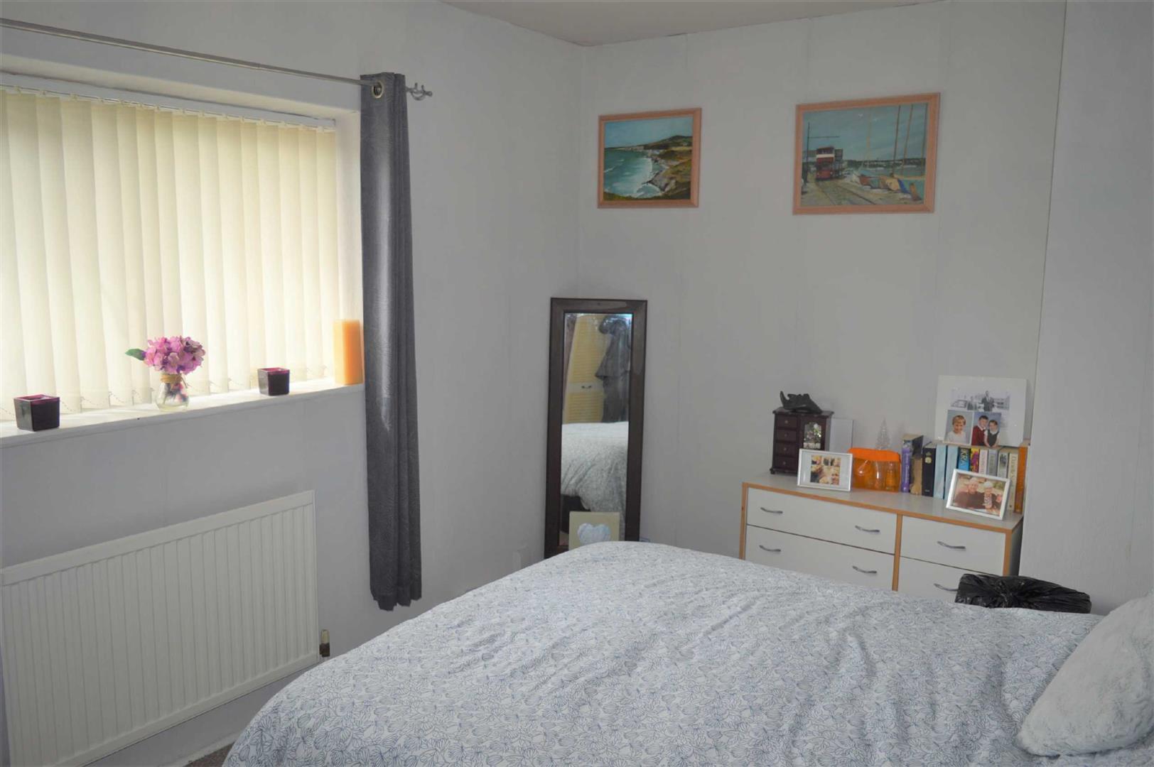 Emlyn Road, Mayhill, Swansea, SA1 6TJ